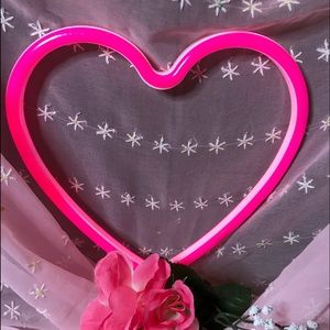 Other - 💓💕PINK SALE-HOT PINK HEART LIGHT💗🎀